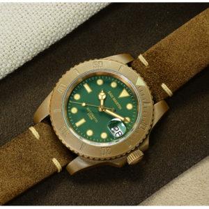 Bronze Watch San Martin bronze dive watch with date window and 200 meters waterproof SN017-Q