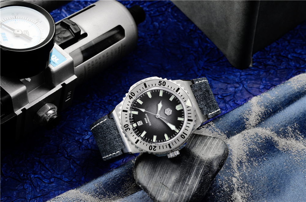 New Arrivals SAN MARTIN mechanical diving watch 200 meters waterproof SN0055G